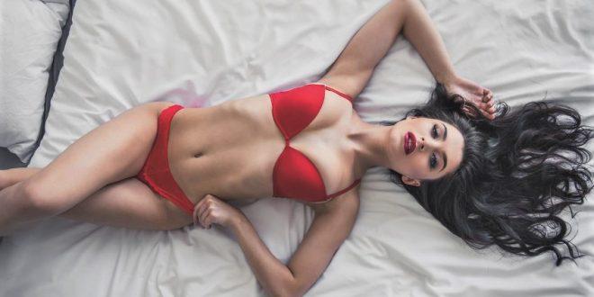 διαδικτυακό σάιτ γνωριμιών Ντουμπάι φιλενάδες ραντεβού Show ITV2